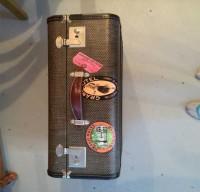 vintage-suitcases-sub-1