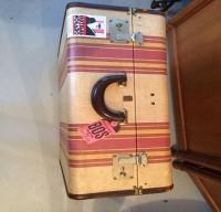 vintage-suitcases-sub-4