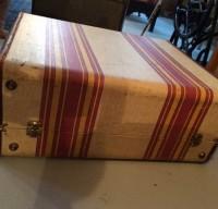 vintage-suitcases-sub-8